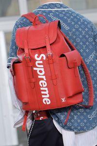 Koleksi Louis Vuitton x Supreme. Beredar rumor Dolce & Gabbana akan berkolaborasi dengan Supreme.