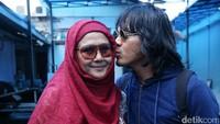 Tio Pakusadewo Anggap Mayky Suami Luar Biasa untuk Ria Irawan