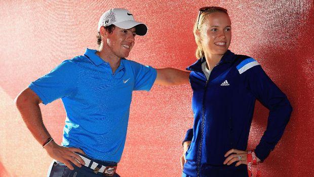 Wozniacki bersama McIlroy