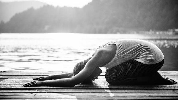 Yoga seperti yang dilakukan Georgina Rodriguez bisa melatih kelenturan