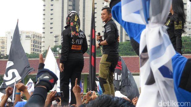 Apel Siaga Relawan, Agus Yudhoyono 'Stage Dive' 2 Kali