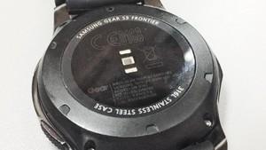 Samsung Gear S4 Nanti Bisa Wireless Charging