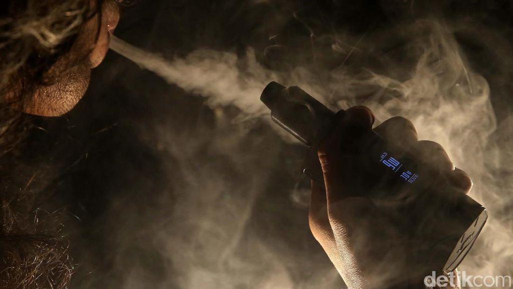 Bisnis Rokok Elektrik Berkembang di RI, Apa Bedanya dengan Rokok Biasa?