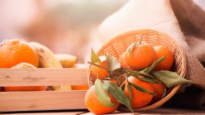 Dalam perayaan imlek, jeruk mandarin sangat mudah dijumpai. (Foto: Straits Times / iStock)