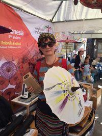 Wisatawan berkesempatan membawa pulang payung ini (Andi Anissa/detikTravel)