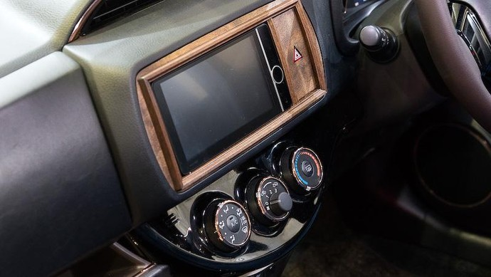 Cantiknya Toyota C-HR Modif