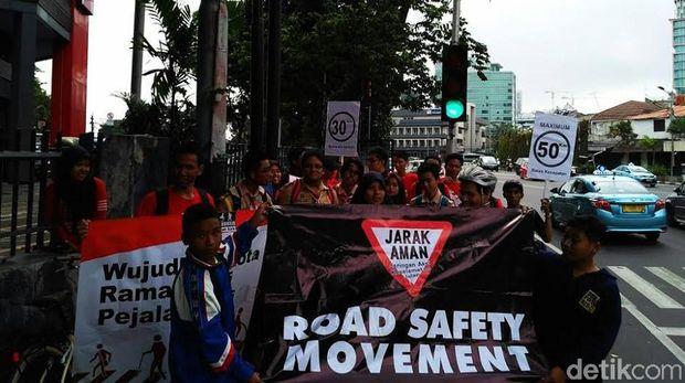 Aksi mengenang 5 tahun kecelakaan Tugu Tani
