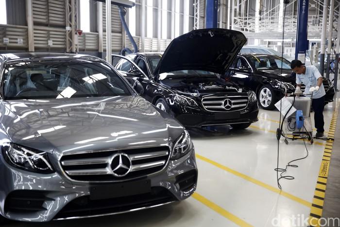 Pabrik Mercedes-Benz di Wanaherang, Bogor, mulai memproduksi sedan E-Class dengan dua varian, E 250 AVANTGRADE line, dan E 300 AMG Line.