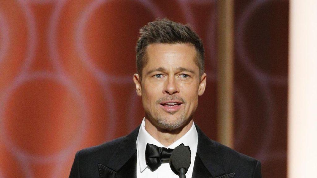 Brad Pitt Tengah Kencani Charlize Theron?