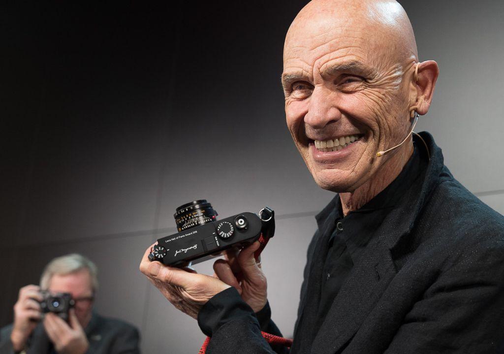 Leica M10 dikalaim sebagai kamera digital Leica M yang paling seksi alias paling tipis. Ketebalan kamera ini hanya berada di angka 33.7mm. Foto: Enche Tjin