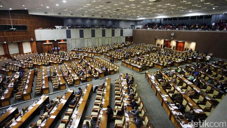 DPR Tunggu Surat Kemenkumham Sebelum Lantik Pimpinan Tambahan