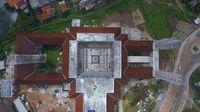 Masjid raya KH Hasyim Asy'ari nampak dari bagian atas.
