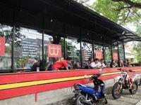 Warteg Hipster: Makan Enak dan Sedap dengan Harga Warteg Bersuasana Kafe
