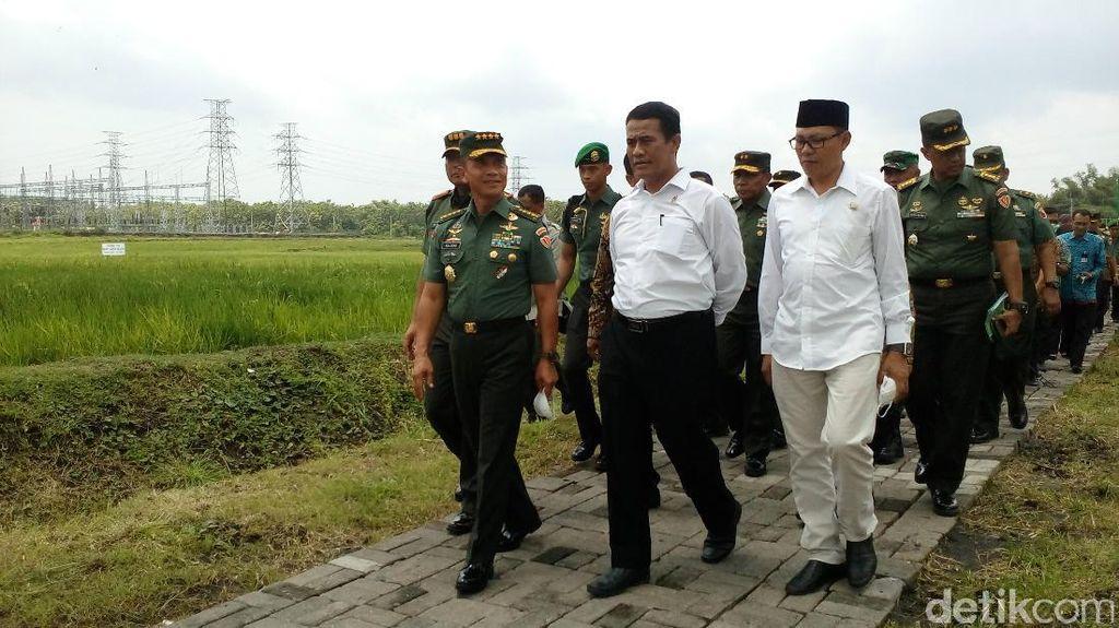 Ke Jombang, Mentan Tinjau Sentra Pertanian Padi Terpadu TNI AD