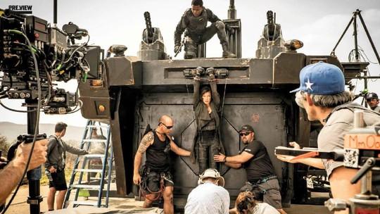 Aksi Mila Jovovich di Resident Evil: The Final Chapter