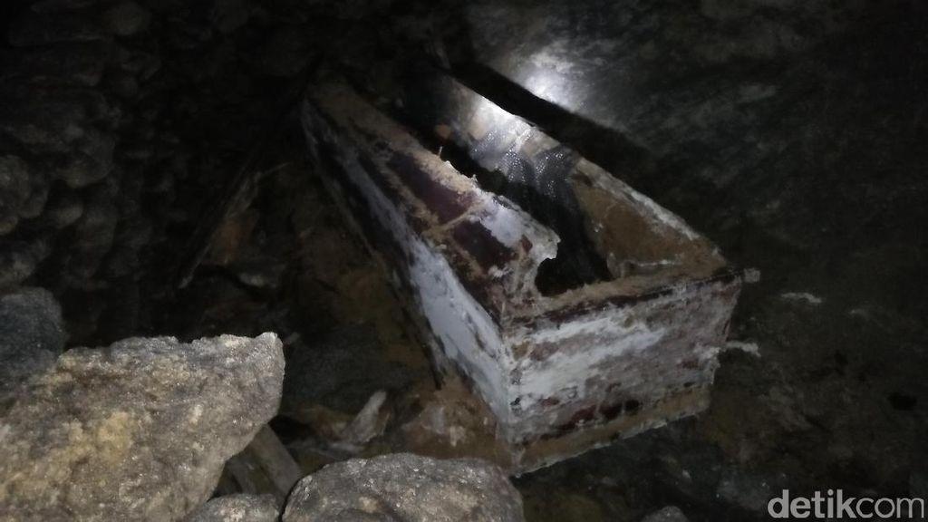 Video: Uniknya Prosesi Pemakaman di Negara Ini