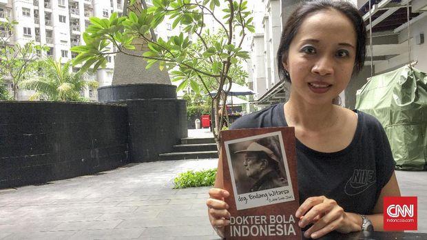 Cucu Endang Witarsa, Tessa Witarsa Abadi, pernah berbagi cerita tentang sang kakek. (