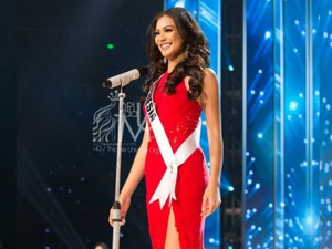 Kezia Warouw Jadi Favorit Para Kontestan Miss Universe