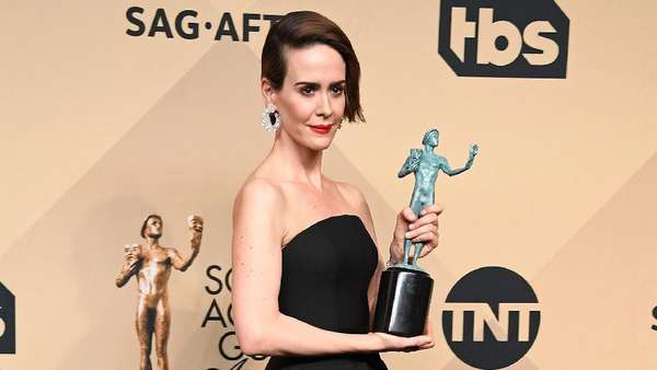 Parade Busana Para Aktris di Red Carpet SAG Awards 2017
