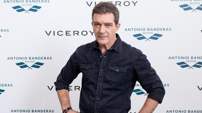 MADRID, SPAIN - NOVEMBER 18:  Spanish actor Antonio Banderas presents the new Viceroy collection on November 18, 2016 in Madrid, Spain.  (Photo by Pablo Cuadra/Getty Images)