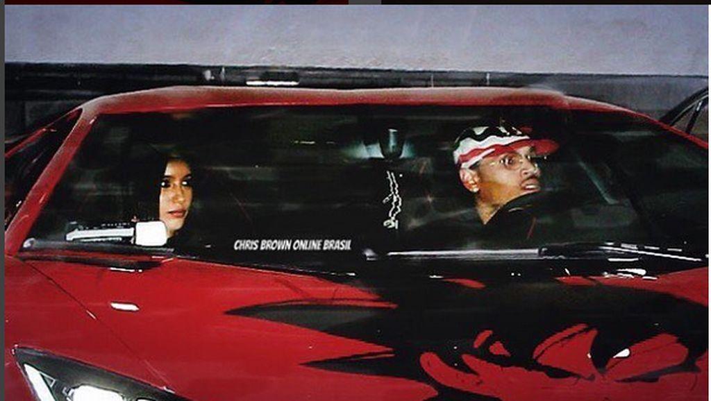 Chris Brown dan Hobi Koleksi Mobil Sport Mewahnya