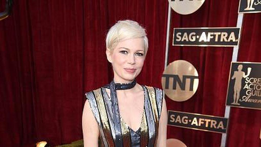 Deretan Aktris yang Stylish dengan Baju Garis-garis di SAG Awards 2017