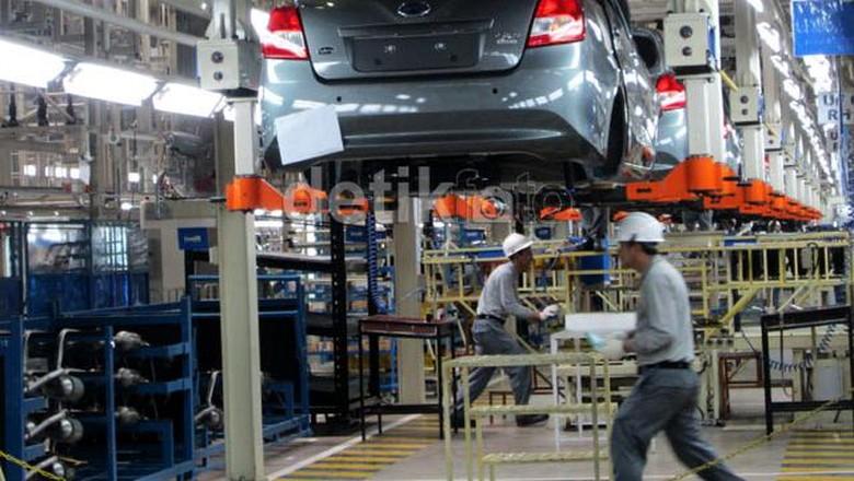 Pekerja Pabrik Datsun di Purwakarja Foto: detikOto