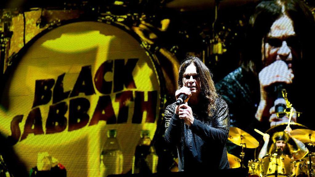 Ozzy Osbourne Batalkan Tur di Beberapa Negara untuk Pengobatan Pneumonia