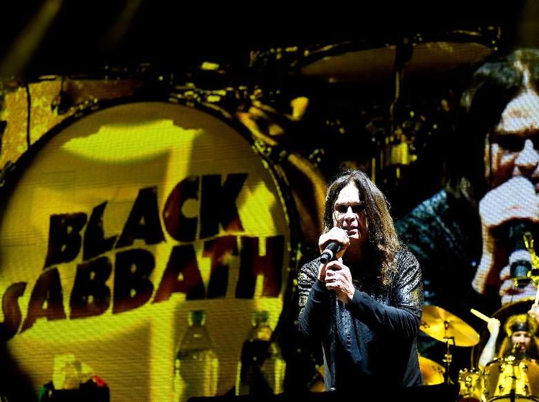 Kondisinya Sempat Memburuk, Ozzy Osbourne Masih Dirawat Intensif di RS
