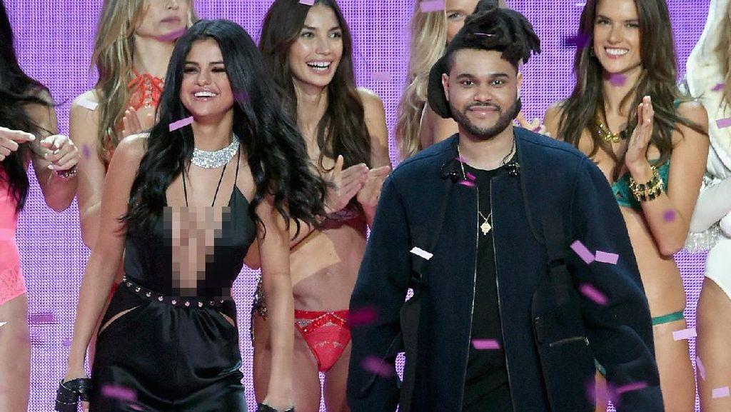 Kencan Romantis ala Selena Gomez & The Weeknd di Akuarium Ubur-ubur