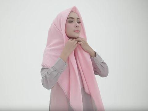 Tutorial Hijab Paris Ala Selebgram Cantik Asal Bogor, Hamidah