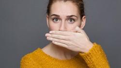 Suara kentut kadang bikin malu. Tapi, dengan menahannya bikin kesehatan malah terganggu loh.