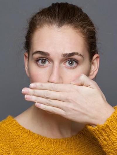 Ilustrasi tips mencegah bau mulut saat puasa. Foto: iStock