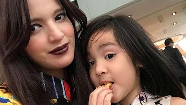 Nia Ramadhani, Ibu Tiga Anak Tapi Body Gadis 17 Tahun