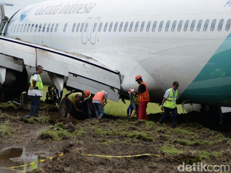 Evakuasi Pesawat Tergelincir di Yogya Sukses, Begini Penampakannya