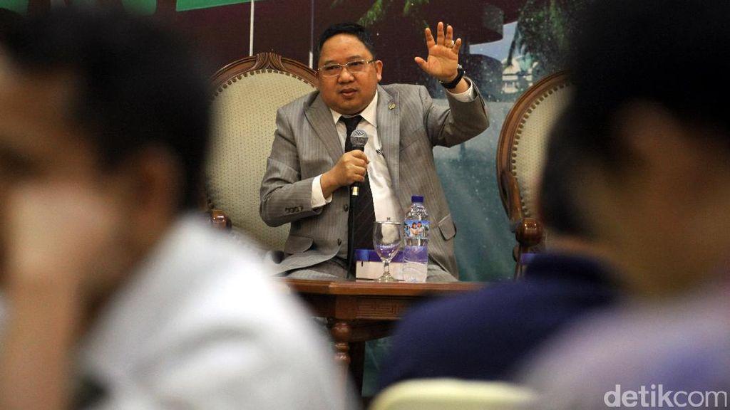 PPP Minta TNI Pertimbangkan Usul Akhiri Latihan Makan Tokek Hidup