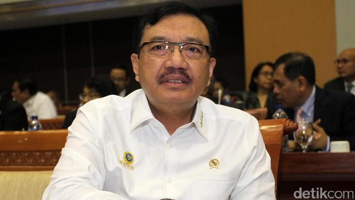 Budi Gunawan merupakan anggota Polri dengan pangkat terakhir jenderal. Pria kelahiran Surakarta, 11 Desember 1959 itu menjabat Kepala BIN. Sebelum menjadi Kepala BIN, Budi Gunawan menjabat sebagai Wakapolri.