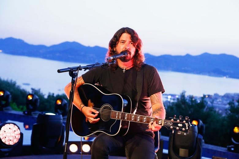 Dave Grohl Masih Tak Sanggup Dengarkan Lagu Nirvana