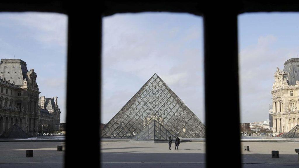 Mulai Diperiksa, Pelaku Serangan di Museum Louvre Tolak Berbicara