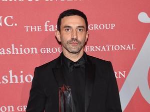 Lepas dari Givenchy, Riccardo Tisci Melompat Jadi Chief Creative Burberry