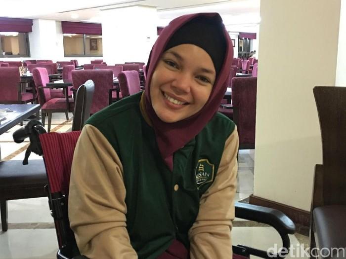 Dewi Sandra umrah