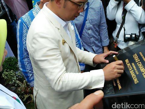 Teras Cihampelas Resmi Jadi Jalur Pedestrian Ciamik di Bandung