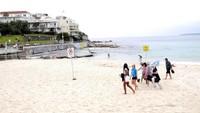 Bukan untuk Wisata, Pantai Australia Jadi Klinik Tes Corona