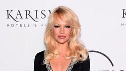 Courtney Love Protes Serial Baru soal Video Seks Pamela Anderson
