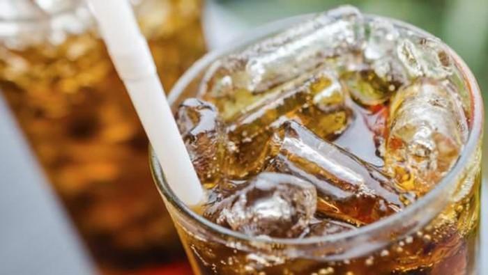 Kendalikan konsumsi minuman bersoda karena bisa tidak sehat. (Foto: Rocketnews/ Getty Images)