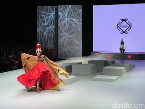 Pesona Batik Sekar Jagad Banyuwangi di Tangan Desainer Irma Lumiga