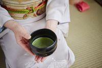 Mangkuk untuk minum teh akan diperbaiki bila rusak.