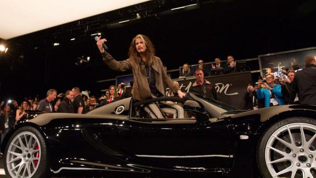 Mobil Bekas Vokalis Aerosmith Laku Rp 10,6 Miliar