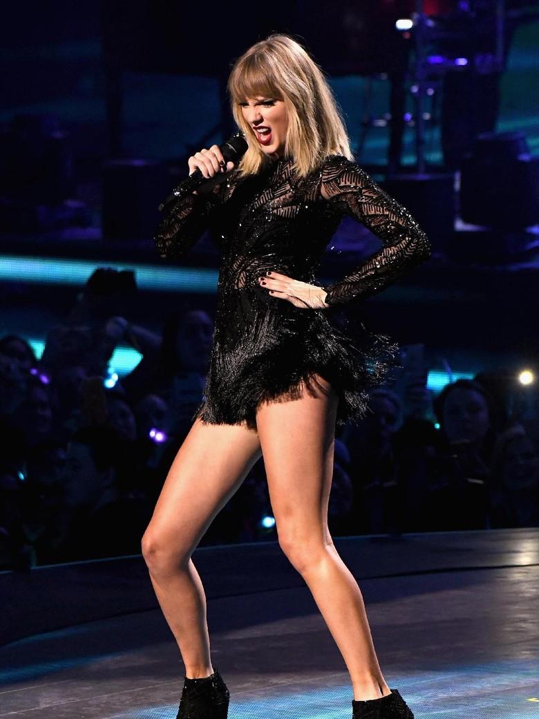 Tak Dilihat Orang, Apa Maksud Taylor Swift di Klip Barunya?