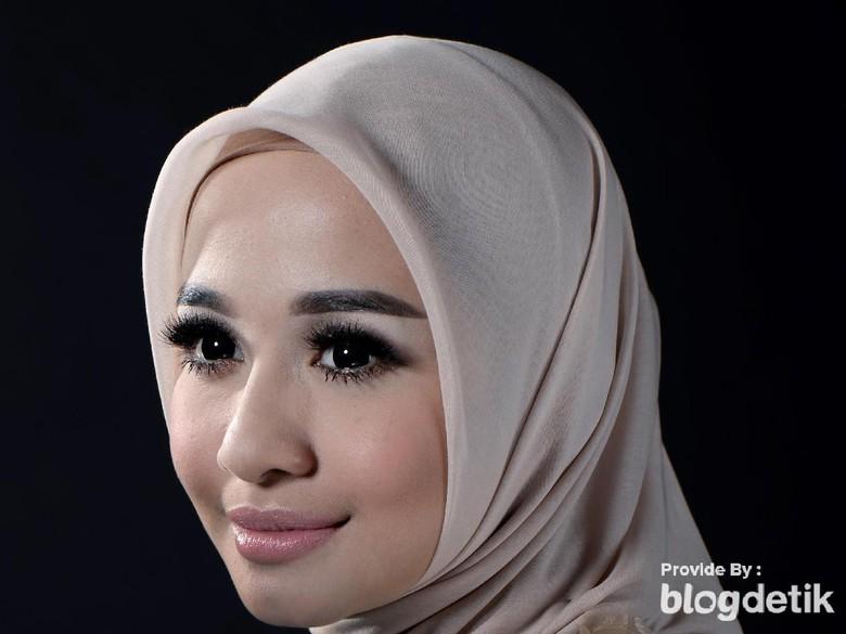 Dihelat di Malaysia, Gimana Laudya Cynthia Bella Ajukan Surat Numpang Nikah?
